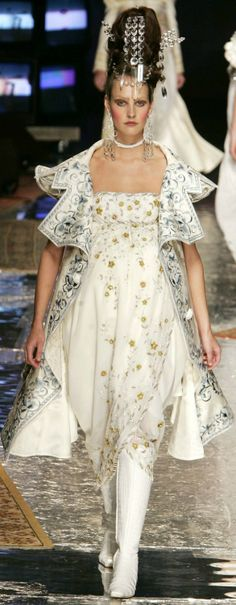 Christian Dior Haute Couture SpringSummer 2005.