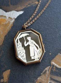 Le collier de Mary Poppins (86 €).