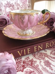 …beautiful hand painted tea cup…made in Japan…circa 1930's…lovely lavender/pink with gold trim…scalloped lustreware…in perfect condition…Please contact The Painted Chateau for shipping charges.