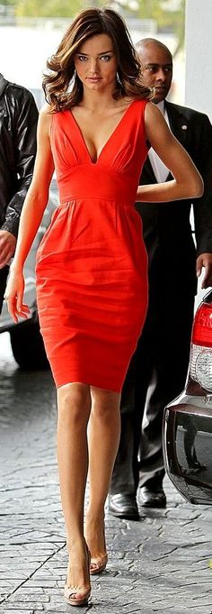 #street #style Miranda Kerr red dress @wachabuy
