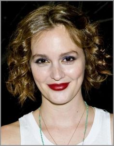 Leighton Meester Imposes Own Style Short Hair And Colorful Makeup Our Favorite Gossip Girl