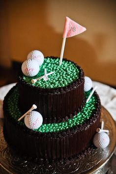 Golf themed groom's cake {Photo: Brooke Roberts Photography via Project Wedding}