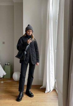 Fall Outfits - Ideas for autumn 2021 | Medium Winter Fashion Outfits, Fall Winter Outfits, Look Fashion, Autumn Winter Fashion, Winter Shoes, 90s Fashion, Skandinavian Fashion, Mode Outfits, Casual Outfits