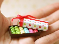 Dollhouse Miniature Food - French Macarons! I so want to make these!!!