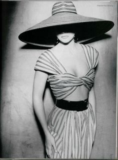 #High Fashion resort wear... we love big hats on the beach! #style http://wp.me/s291tj-ftcline