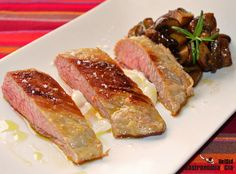 Secreto de cerdo con estofado de setas al vermú | Gastronomía