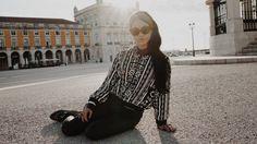 A Vanessa Hudgens esteve em Lisboa ! Sabe o que ela vestiu! – A Vanessa Hudgens esteve em Lisboa, em Setembro, com a irmã Stella, o namorado Austin Butler e uma amiga fotógrafa que tirou o maior partido da imagem da Vanessa e das cores quentes de Lisboa …