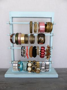 Shabby chic bracelet holder - standing jewelry display - bracelet stand - distressed aqua blue jewelry organizer - jewelry storage by CraftersCalendar Diy Bracelets Organizer, Diy Jewelry Holder, Jewelry Organizer Wall, Jewelry Stand, Jewellery Storage, Jewellery Display, Jewelry Organization, Jewelry Box, Ring Storage