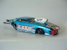 Custom built models that replicate vehicles or objects that are seen in everyday life like junked cars and old buildings. There is a heavy interest in drag race vehicles and hot rods as well. Model Engine Kits, Model Cars Kits, Slot Car Racing, Slot Cars, Drag Racing, Nascar Engine, Go Kart Frame, Cool Car Drawings, Model Cars Building