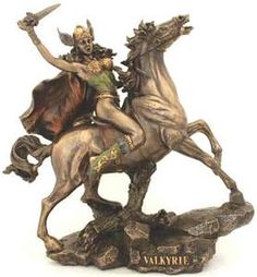 Norse Valkyrie Female Warrior on Horse Statuer