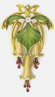 Art Nouveau Brooch or Pendant c.1895-1910 Enamel, Rubies & a Diamond in Gold #GoldJewelleryArtNouveau  #VintageJewelry