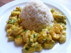Curry-Garnelen in Bananen-Kokos-Curry mit Reis