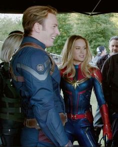 Marvel Dc, Wanda Marvel, Marvel Women, Marvel Actors, Marvel Heroes, Marvel Characters, Marvel Movies, Captain Marvel Costume, Marvel Costumes