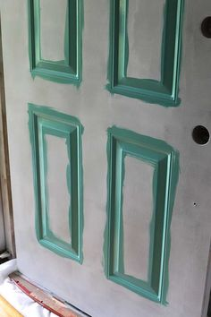 How To Paint A Front Door Without Removing It Painting your front door will give you loads of instant curb appeal. Learn how to paint your front door the easy way. Also includes how to strip a metal door if it has a lot of peeling and chipping. Paint Steel Door, Steel Doors, Painted Exterior Doors, Painted Front Doors, Aqua Front Doors, Front Door Decor, Front Porch, Painting Metal Doors, Paint Metal