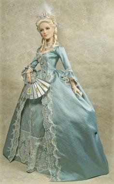 Cheryl Crawford's Marie Antoinette doll ...poupées et jouets Marie Antoinette                                                                                                                                                                                 Plus