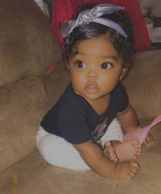 Best Picture For baby girl hairstyles curly For Your Taste You are looking for something, and it is Cute Mixed Babies, Cute Black Babies, Beautiful Black Babies, Cute Little Baby, Baby Kind, Pretty Baby, Beautiful Children, Little Babies, Cute Babies
