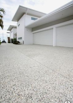 65 ideas exposed aggregate concrete patio design The Effective Pictures We Offer You About patio int Concrete Patios, Concrete Patio Designs, Cement Patio, Modern Driveway, Driveway Design, Driveway Ideas, Exposed Aggregate Driveway, Exposed Concrete, Honed Concrete