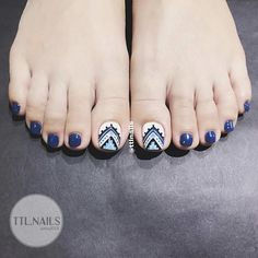 French Manicure Gel Nails, Gel Toe Nails, Feet Nails, Glam Nails, Pedicure Nails, Toe Nail Art, Pedicure Designs, Nail Designs 2017, Nail Art Designs