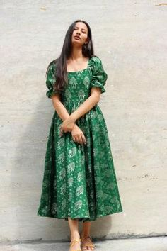 Brocade Dresses, Indian Gowns Dresses, Indian Fashion Dresses, Indian Designer Outfits, Girls Fashion Clothes, Designer Dresses, Designer Kurtas For Women, Indian Outfits, Girls Frock Design