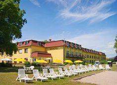 Jouissez un séjour reposant au lac Betzsee, pas loin de Berlin et Potsdam.  Avec cet offre vous passez à deux 2 nuits à l'hôtel 3 étoiles Seehotel Brandenburg. Le prix de 175.- comprend le petit-déjeuner, le souper et l'accès libre au sauna.  Réserve ici ton séjour: http://www.besoin-de-vacances.ch/court-sejour-pres-de-berlin-2-a-175/