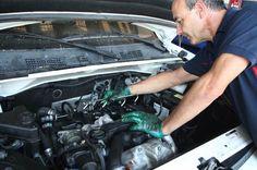 Somos una empresa con una gran experiencia en el sector de la automoción en Alicante, dedicando estos servicios a la mecánica, electricidad, y equipamientos para vehículos.