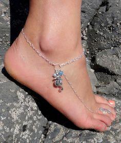 Seahorse Anklet  ~ Great with Flip Flops or Heels! @beadifulexpressions  #seahorse #nautical #ocean #beach #hawaii #island #sealife #slaveanklet #anklet #barefootsandal