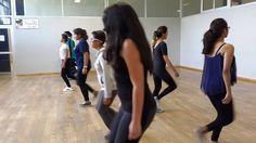 Mi primera clase de danza <3 la profesora nos puso a dar pasos conforme al ritmo de un cronómetro.