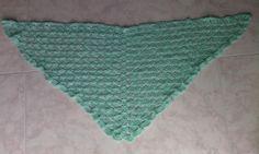 scialle di lana lavorato all'uncinetto  largo 1,35 cm e lungo 55cm