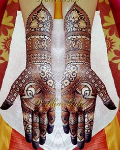 "image by Vibha Gala Prof.Mehendi Artist ( with caption : ""Florel with Traditional. Peacock Mehndi Designs, Khafif Mehndi Design, Mehndi Design Pictures, Unique Mehndi Designs, Wedding Mehndi Designs, Beautiful Mehndi Design, Mehndi Images, Latest Mehndi Designs, Mehandi Designs"