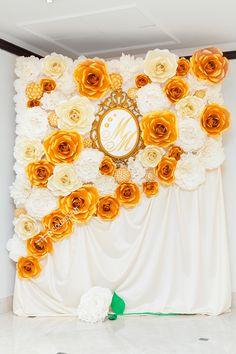 Фотозона из бумажных цветов, Paper Flower Backdrop Gold, фотозона из бумаги
