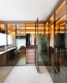 14 Walk In Closet Designs For Luxury Homes Walk In Closet Design, Wardrobe Design, Closet Designs, Master Bedroom Closet, Bedroom Wardrobe, Closet Walk-in, Closet Ideas, Elegant Bedroom Design, Narrow Rooms