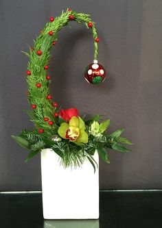 Diy Christmas Tags, Grinch Christmas Party, Christmas Rock, Christmas Templates, Christmas 2019, Christmas Wreaths, Christmas Crafts, Christmas Arrangements, Christmas Centerpieces