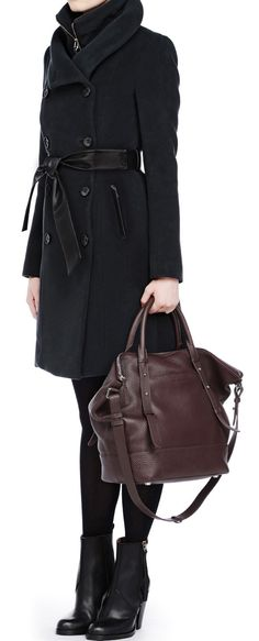 How I want to go about London: chic, with a practical and large bag. If only I was tall and skinny...