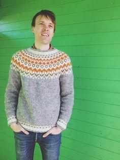 Ravelry: Project Gallery for Riddari pattern by Védís Jónsdóttir Knitting Designs, Knitting Patterns, Crochet Patterns, Pullover Sweaters, Men Sweater, Sweaters Knitted, Icelandic Sweaters, Spinning Yarn, Bobbin Lace