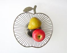 1970s vintage metal wire BASKET⎮APPLE shaped⎮fruits basket bowl⎮silvered chrome⎮mid century modern retro decor