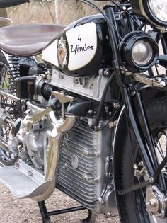 Vintage Motorcycles Classic Windhoff Four Motorcycle Engine 2 - This four-cylinder Windhoff was one of the most advanced motorcycles of its time thanks largely to its engine, which doubles as the motorcycle frame, and Motos Vintage, Vintage Bikes, Vintage Motorcycles, Vintage Cars, Vintage Room, Triumph Motorcycles, Cars And Motorcycles, Nitro Circus, Monster Energy