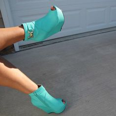 Wedges - these are cute but they need to be in chocolate, ash, cappuccino,or black.
