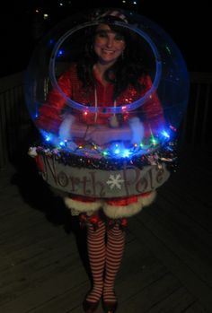 Snow Globe Costume (That really snows!) - Halloween Costume Contest via Best Halloween Costumes Ever, Halloween Costume Contest, Christmas Costumes, Christmas Humor, Christmas Crafts, Costume Ideas, Christmas Time, Christmas Decorations, Creative Halloween Costumes