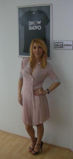 Hande Yener, 6 Nisan Salı günü saat 14.00'te Show Radyo'da Hakan Demir'in konuğu oldu..