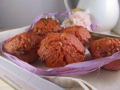 """Muffin con sciroppo di lamponi ... per la serie """"di muffin e dolcezze monoporzione non ne ho mai abbastanza"""" ... una ricetta semplicissima con ingredienti facilmente reperibili, un profumo e una morbidezza irresistibile ...  http://blog.giallozafferano.it/inguacchiando/muffin-con-sciroppo-di-lamponi/  #blogGz #inguacchiando #iei #muffin #dolci #ricetta #cioccolato #buoni #semplice #foodporn"""