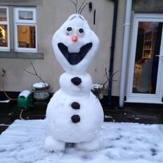 Ice one! Frozen's Olaf made out of real snow