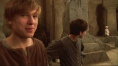Skandar and William behind the scenes of PC. Edmund Narnia, Narnia Cast, Narnia 3, Narnia Prince Caspian, Cair Paravel, William Moseley, Edmund Pevensie, Chronicles Of Narnia, Cs Lewis