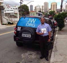 Awesome!!! I love this window #jw.org car shade! And he even has he QR code too!?!!