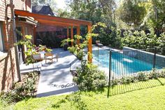 Photos from landscape design and garden design projects by Ian Barker Gardens. Pool Paving, Pool Landscaping, Backyard Pool Designs, Swimming Pools Backyard, Outdoor Rooms, Outdoor Living, Aluminum Pool Fence, Garden Design Images, Pergola