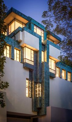 The Samuel-Novarro House, Los Angeles, CA designed by Frank Lloyd Wright (JR) 1928 Organic Architecture, Amazing Architecture, Architecture Details, Interior Architecture, Landscape Architecture, Cubic Architecture, Architecture Tools, Casas De Frank Lloyd Wright, Frank Lloyd Wright Homes
