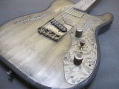 James Trussart SteelTopCaster Antique Silver & Engraved Roses | アイヴィー楽器