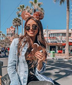 Ideas That Produce Nice Photos No Matter Your Skills! Disney Cute, Cute Disney Pictures, Disney World Pictures, Disney Day, Disney Style, Disneyland Photos, Disneyland Outfits, Disney Outfits, Disneyland Photography