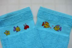 2 Waschhandschuhe mit Kreuzstichmotiv
