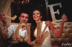 Wedding photo booth / Photography by: Diana Zuleta / visita: dzuletafotografiadebodas.com
