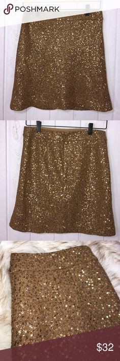 Loft Gold Caramel Sequin Skirt Dress up your everyday and definitely your nights with this gorgeous deep caramel skirt embellished with gold sequins all over! Shell is 63% rayon and 37% wool with 100% polyester lining. Like new condition. Bundle to save! 💕🎀 LOFT Skirts